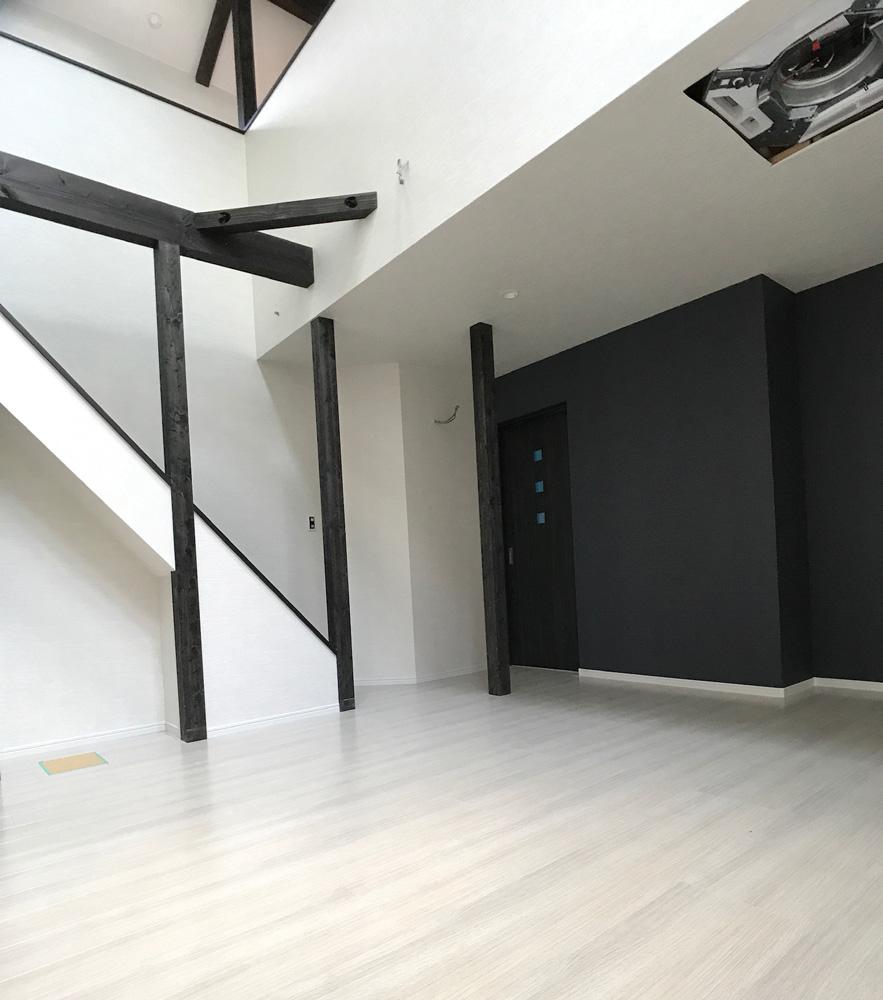 京都アクセントカラーを活かした戸建新築